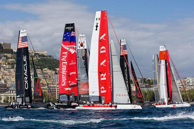 America-s-cup-napoli-2012-emirates-team-new-zealand-vince-luna-rossa